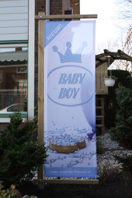 boondesigns geboorte-aankondigingen banier in houten frame baby boy jongen blauw