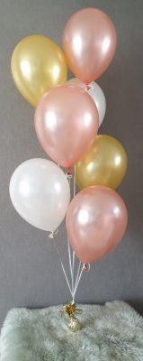 boondesigns ballondecoratie tros met 7 heliumballonnen